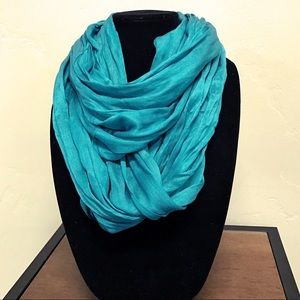 Accessories - NWT infinity scarf